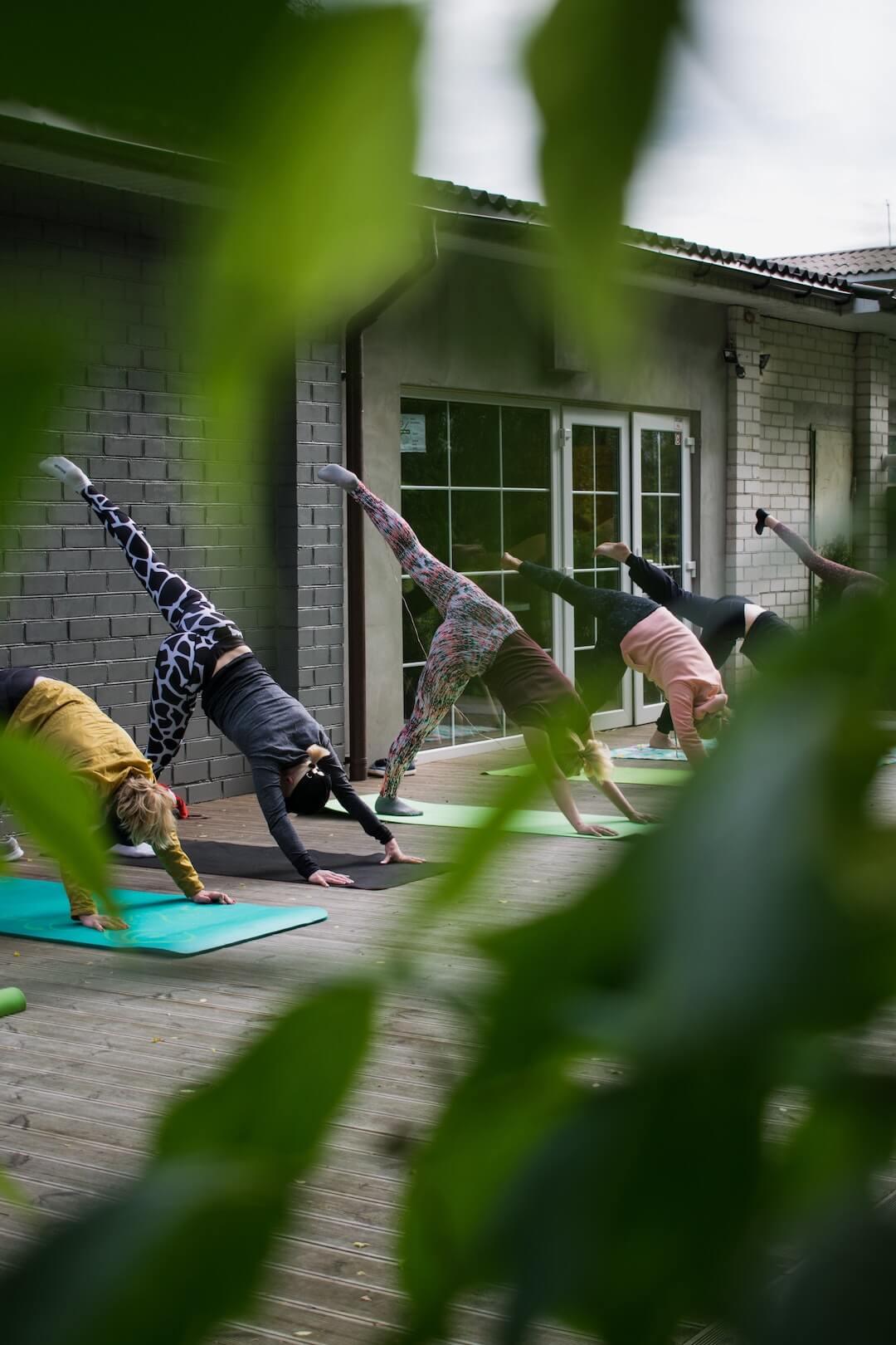 Via deze stappen kun je je eigen yoga studio beginnen