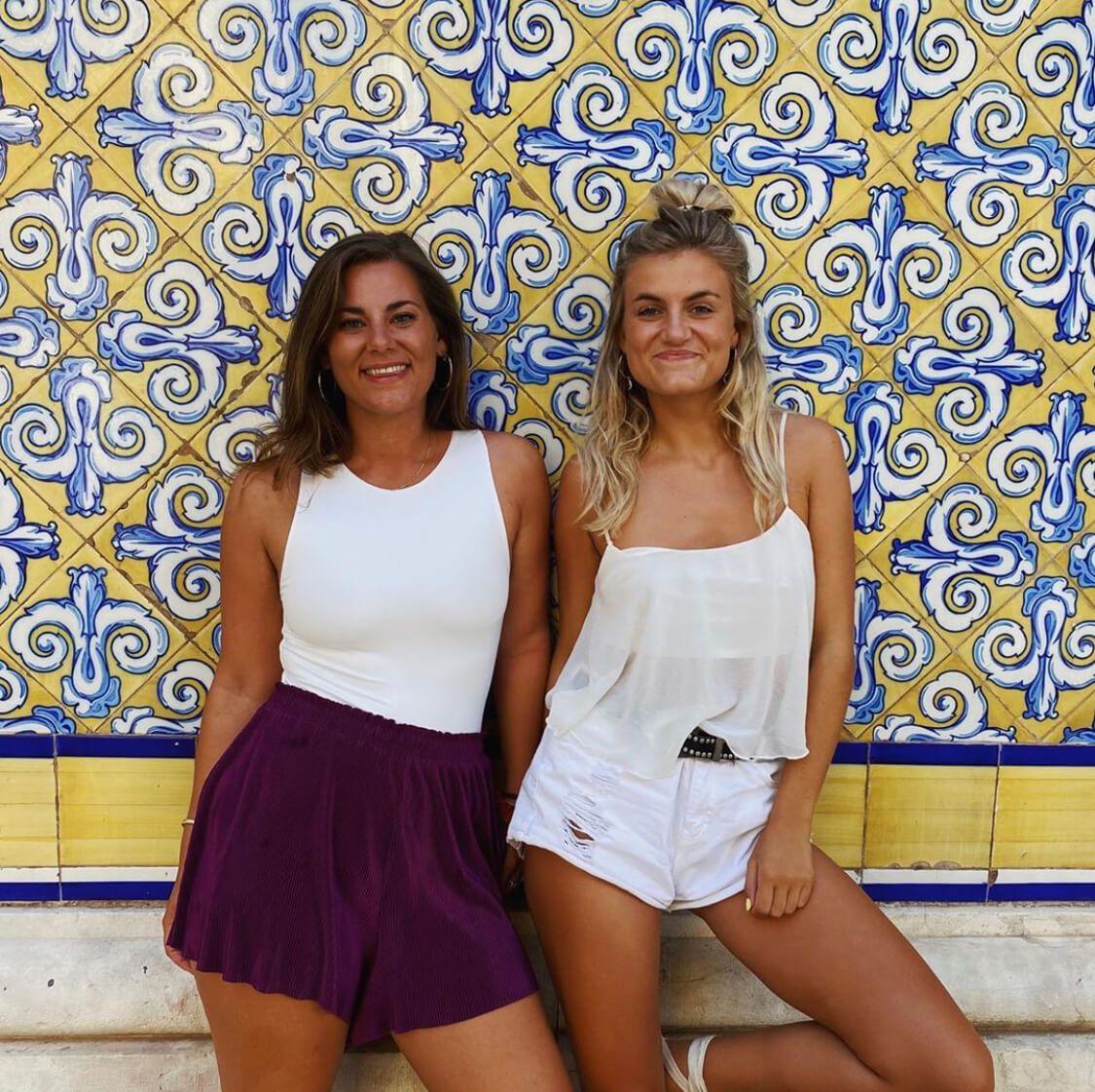 Evelien & Guusje van The Orange Guide